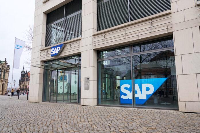 SAP Aktie stürzt ab: Dramatischer Einsturz nach Kappen der Jahresziele