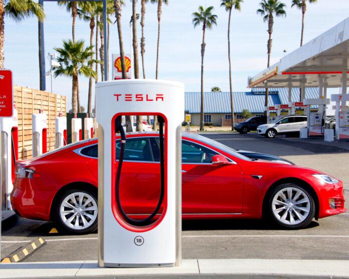 Tesla mit millionenschwerem Bußgeld belegt